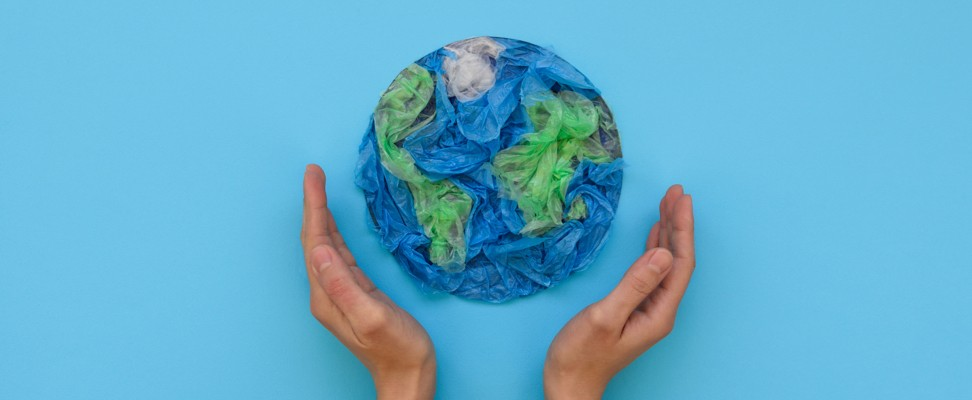 4 SIMPLEWAYS THAT COULDHELP SAVE OUR ENVIRONMENT